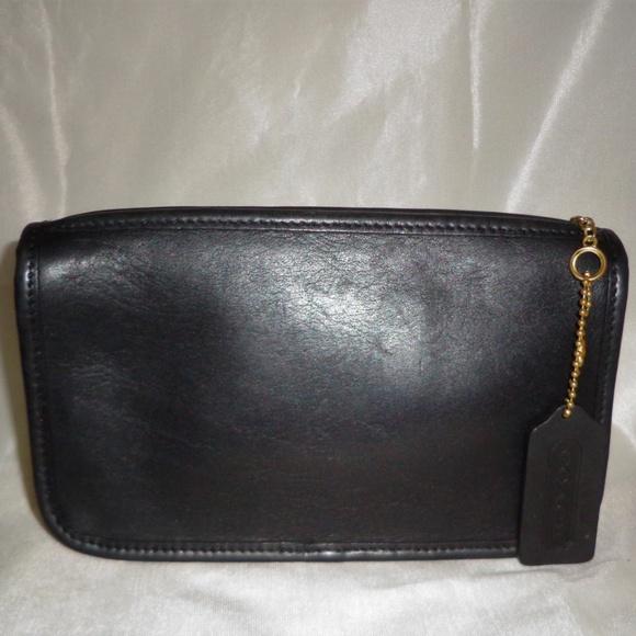 Coach Handbags - COACH BLK VTG CLUTCH/WALLET/COINPURSE/MAKEUP CASE